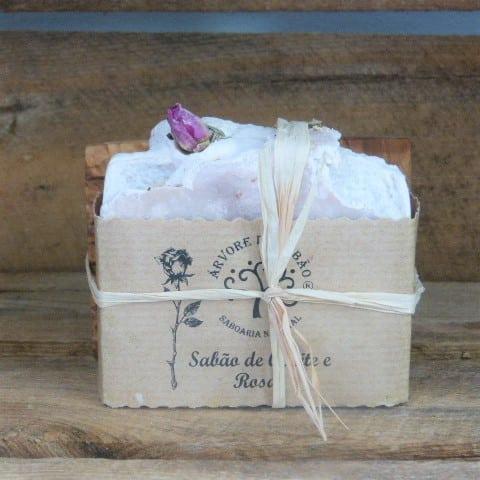 porte savon bois d'olivier et savon naturel