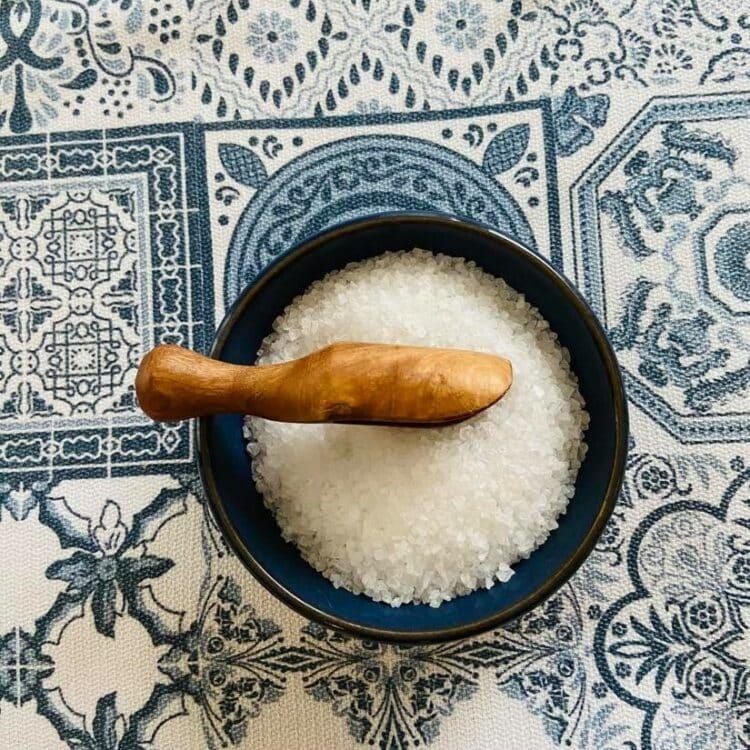 Pelle à fleur de sel bois d'olivier