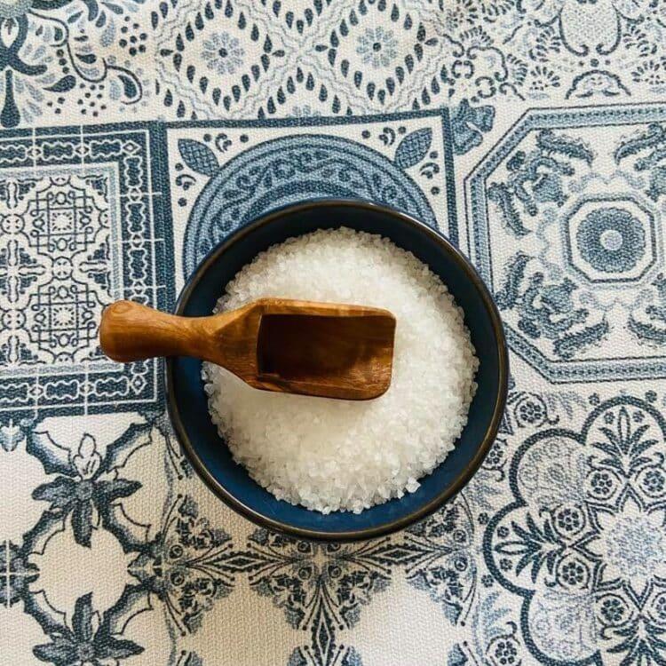 Cuillère à fleur de sel en bois d'olivier
