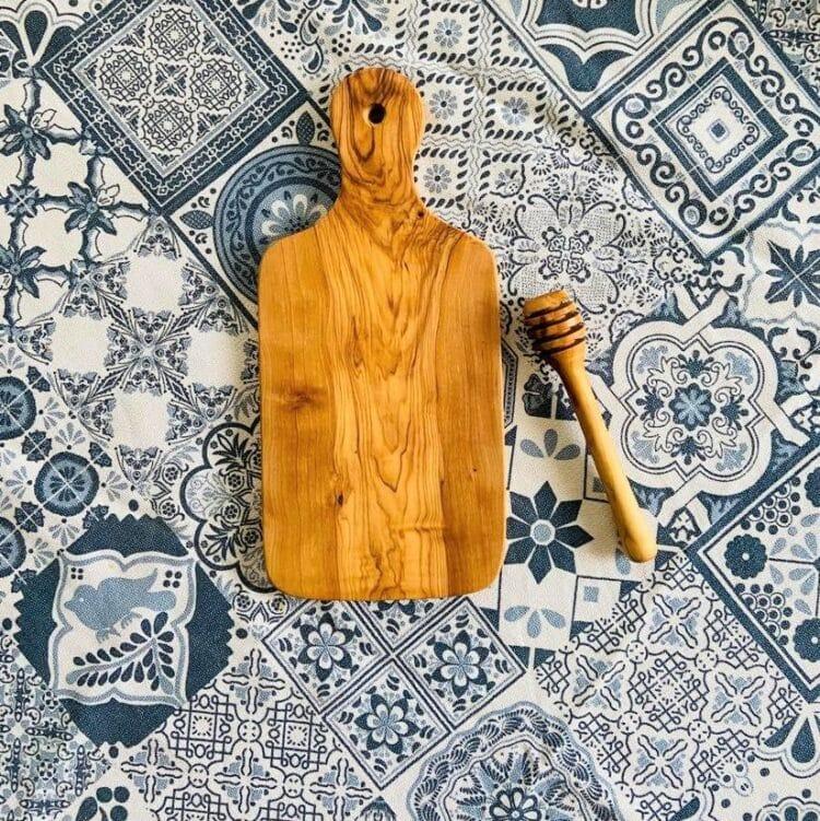 Planche et cuillère en bois d'olivier