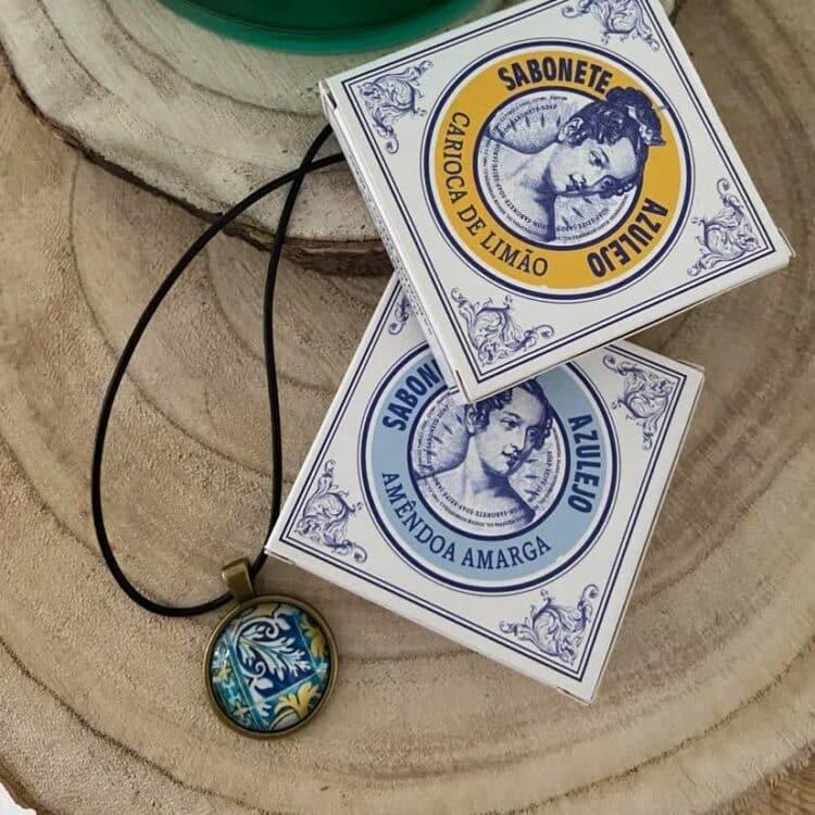 1 collier et 2 savons Azuléjos portugais